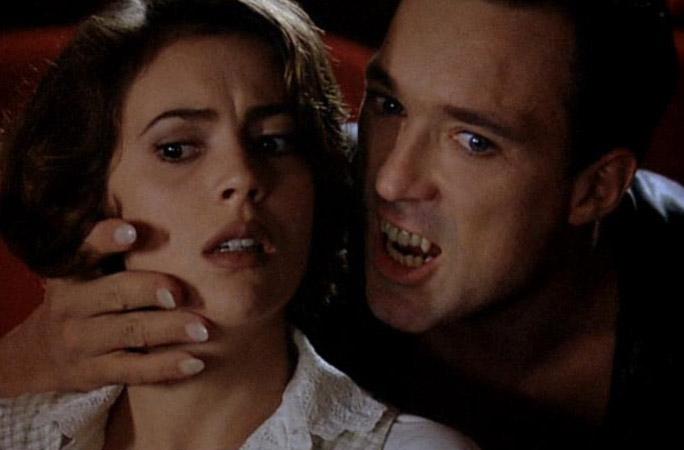 alyssa-milano-embrace-of-the-vampire02